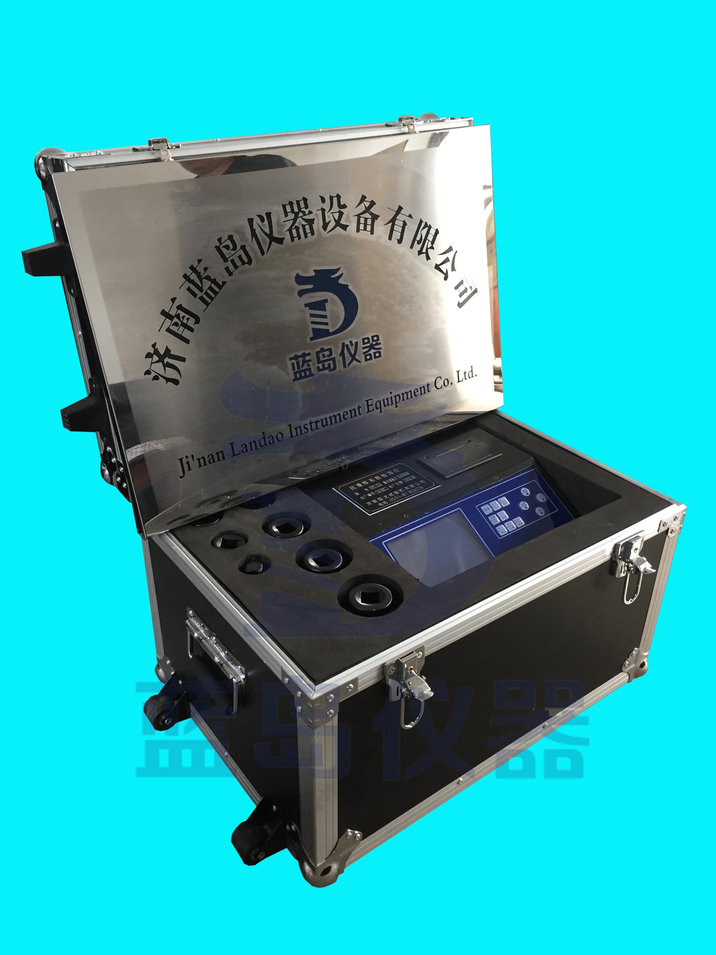 产品简介 HY-24抗滑移系数检测仪[1] 功能特点: HY-24抗滑移系数检测仪本检测仪可以进行大六角头高强螺栓连接副(M16~M30)和扭剪型高强螺栓连接副(M16~M27)的滑移系数检测。有四个物理通道,6组共24个逻辑通道。具有参数备份和恢复功能,自动标定功能,根据高强螺栓的检测要求还设置了峰值保持功能。为了便于用户能与计算机连机设置了RS232接口;可将数据传送到计算机,进行进一步的处理后,打印试验报告。 技术指标 1、 测量范围:120kN~400kN 2、分辨率:±0.